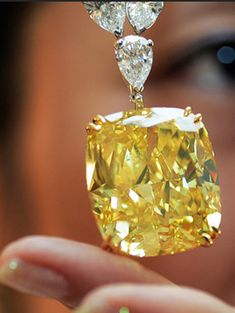 "43 carats - Biggest Yellow Diamond In The World. Biggest Yellow Diamond In The World. The flawless canary yellow diamond, known as the ""Golden Eye Diamond, Canary Yellow Diamonds, Canary Diamond, Colored Diamonds, White Diamonds, Gems Jewelry, Diamond Jewelry, Jewelry Accessories, Fine Jewelry, Jewlery"