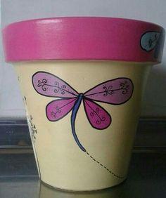 Macetas Pintadas A Mano! Diseños Exclusivos! N°16 Flower Pot Art, Flower Pot Design, Flower Pot Crafts, Vase Crafts, Clay Pot Crafts, Painted Plant Pots, Painted Flower Pots, Pots D'argile, Clay Pots