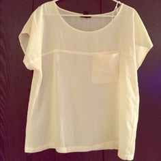 Cream tshirt blouse Cream tshirt blouse with front pocket. Oversized fit. H&M Tops Blouses