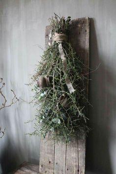 Handmade Christmas Tree, Nordic Christmas, Rustic Christmas, White Christmas, Christmas Flowers, Christmas Tree Decorations, Christmas Wreaths, Christmas Ornaments, Green Colour Palette