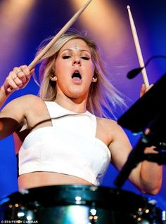 ellie goulding!?! whoa! drummer,gorgeous and amazing voice!!! OMG!!!!