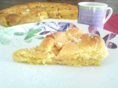 Crostata di marmellata di albicocche con mandorle e mele http://www.ledolciricette.it/2013/12/12/crostata-di-marmellata-di-albicocche/14734