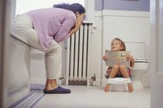 How to Potty Train Girls at 18 Months (8 Steps) | eHow