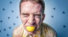 Qui n'a jamais eu d'aphtes ? Ces petits ulcères superficiels de la muqueuse buccale, qui se placent sur notre langue, nos gencives, à l'intérieur de nos lèvres et de nos joues, sont plutôt dé...