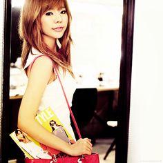 Wonder Girls Sohee Medium Straight Caramel with Layers and Bangs