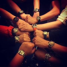 No matter modern or vintage we all love WATCHES - the only jewelry for MEN  Great dinner GTG with @kkevalll @mesa71 @chanccsan @lovewatches222 @agents_of_style @thehighlander65 @kingfk925 @shermankwok08 @superspiral  #rolex #rarerolex #rolexgtg #rolexpassion #rolexvintage #vintagerolex #vintagewatch #modernwatch #submariner #bigcrown #seadweller #daytona #paulnewman #rolexgmt #richardmille #comex #milsub #milgauss by silas815