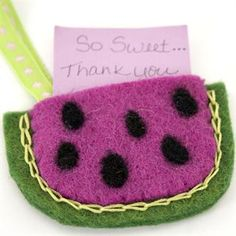 Fashionable Felt - Learn basic needle felting techniques and create fashionable accessories.  Free Online Felting Class from Spotted Canary.