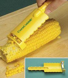 Corn CobbR' - Pour éplucher son maïs sans en mettre partout ! http://www.amazon.fr/Evriholder-eplucheur-d%C3%A9pis-de-ma%C3%AFs/dp/B003IUBUEY/?_encoding=UTF8&camp=1642&creative=6746&keywords=%C3%A9plucheur%20ma%C3%AFs&linkCode=ur2&qid=1436186166&s=aps&sr=1-3-catcorr&tag=marmitonorg-21