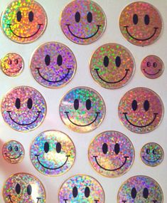 I like stickers they make me happy sometimes Dr. D gives me a couple if I don't go batshit crazy like normal they calm me down Lisa Frank, Pale Tumblr, Alluka Zoldyck, Creepy, Space Grunge, Mabel Pines, Foto Art, Soft Grunge, 90s Grunge