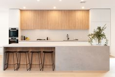This stunning renovation project in East Malvern included a new kitchen, butlers pantry, living room cabinets, study, laundry and bathroom cabinets. Kitchen Room Design, Modern Kitchen Design, Home Decor Kitchen, Kitchen Living, Interior Design Kitchen, Home Kitchens, Küchen Design, House Design, Pantry Design