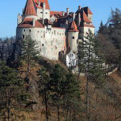 Descubre la belleza y el misterio de los castillos de Rumanía: Castillo del salvado de Dracula