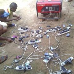 Electricity in Africa Funny Photos, Funny Images, Bazar Bizarre, Construction Humor, Electrician Humor, Safety Fail, Darwin Awards, Electrical Safety, Safety First