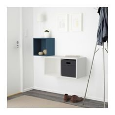 IKEA - EKET, Seinään kiinnitettävä kaappikok, vaaleanoranssi/valkoinen, , Kauniisti epäsymmetriset hyllyt tarjoavat monia persoonallisia säilytysmahdollisuuksia.