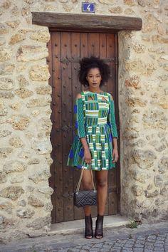 Elle n'en est pas à sa première collaboration avec des blogeuses françaises, mais il faut reconnaitre que celle-ci est particulièrement remarquable ! En effet, Natacha Baco, la styliste parisienne d'origine congolaise à l'origine de la création de la marque épnoyme By Natacha Baco s'est souvent illustrée de fort belle manière via des blogueuses mettant en avant ...