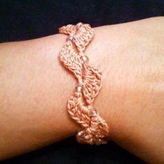 Crochet bracelet, Kaldred: free pattern.