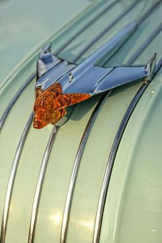 1954 #Pontiac Chieftain Hood Ornament #coolcars QuirkyRides.com