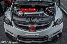 Insane engine bay. FD2 supercharged Civic type R