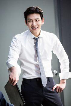 """[Drama] Ji Chang Wook looks dashing in suits in """"Suspicious Partner"""" Korean Star, Korean Men, Asian Men, Ji Chang Wook Smile, Ji Chang Wook Healer, Eunhyuk, Asian Actors, Korean Actors, Korean Dramas"""