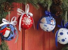 Craft Ideas : Projects : Details : holiday-sock-ornaments