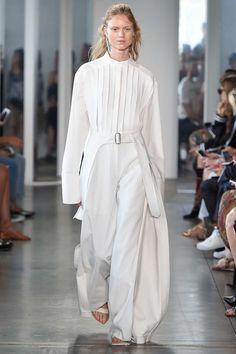 Dion Lee Spring 2017 Ready-to-Wear Fashion Show - Frida Westerlund