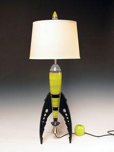 Table Lamp. Atomic retro rocket lamp. Yellow. 50s. Steam punk. Art Deco. Space age. Sky Captain. 188