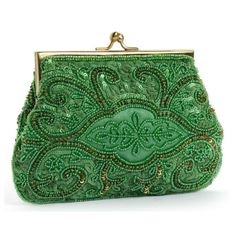 For some women, purchasing an authentic designer handbag is not something to hurry straight into. As these bags can easily be so high priced, most women sometimes agonize over their decisions before making an actual purse acquisition. Beaded Clutch, Beaded Purses, Beaded Bags, Vintage Purses, Vintage Bags, Vintage Handbags, Style Vert, Green Clutches, Green Handbag