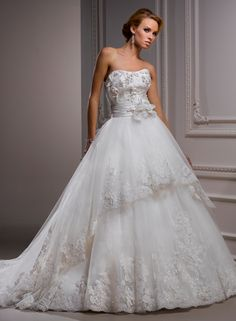 Fantine Bridal Gown - If I was one for the princess style ballgown...this would be it lol