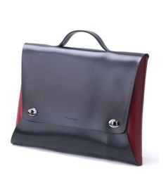 I happen to have this bag, very cool but limited in function- just doesn't hold enough stuff. Laptop Briefcase, Briefcase For Men, Business Laptop, Business Men, Mens Satchel, Computer Bags, Stylish Men, Leather Working, Leather Craft