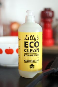 Lilly's Eco Clean Giveaway, Cleaning, Bottle, Friends, Amigos, Flask, Home Cleaning, Boyfriends, Jars