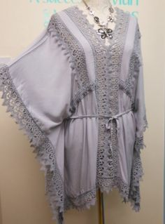 STUNNING LAGENLOOK KAFTAN TUNIC / BEACH COVER UP IN LIGHT GREY FITS SIZES 12-18
