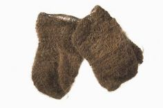 Nalbound mittens, Russian Carealia. Made of pig hair. Prior to 1894.
