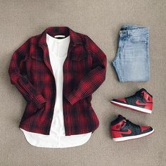 Outfit grid - Red & black shirt & Nikes