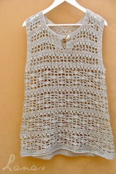 Lanas de Ana made this beautiful cotton tank top in a fine yarn. More pictures at site Débardeurs Au Crochet, Beach Crochet, Crochet Tunic, Crochet Woman, Love Crochet, Beautiful Crochet, Crochet Clothes, Cotton Crochet, Crochet Tank Tops
