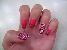Dotted spiral accent nails (also from @missjenfabulous YouTube video)