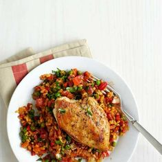 Healthy Arroz con Pollo    You only need one pan to make this traditional (and healthy) Latin American dish. And you just can't beat the powerhouse combination of onion, garlic, and paprika for flavor.
