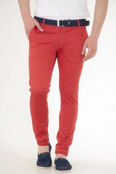 Παντελόνι υφασμάτινο κλασικό σε κόκκινο αντρικό over-d