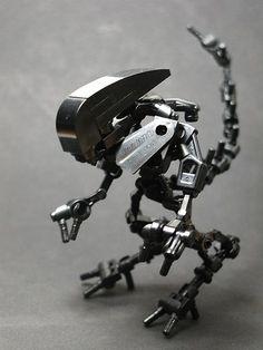 LEGO Aliens xenomorph