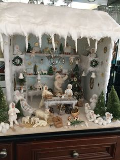 My first try to reproduce a German Winter Snow House French Christmas, Miniature Christmas, Christmas Minis, Antique Christmas, Christmas Items, Handmade Christmas, Christmas Holidays, Christmas Crafts, Christmas Centerpieces