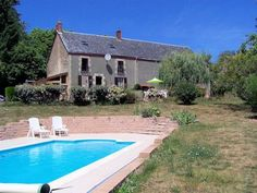 Large house with attached barn, pool and lovely views. Lots of possibilities! €246,100/£193,804