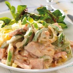 Kasslergryta med pasta Lchf, Risotto, Potato Salad, Bacon, Dinner Recipes, Food And Drink, Pork, Pizza, Cooking Recipes