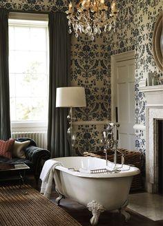 Обои для ванной комнаты (44 фото): опровергая стереотипы http://happymodern.ru/oboi-dlya-vannoj-komnaty-44-foto-oprovergaya-stereotipy/ Сам принцип работы с обоями значительно упрощает повторный ремонт в ванной комнате
