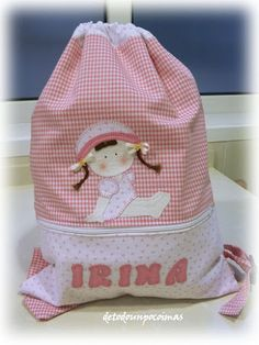 De todo un poco y más...: MOCHILA PARA IRINA Embroidered Bag, Quilted Bag, Sewing Projects For Beginners, Fabric Painting, Needlework, Purses And Bags, Applique, Pouch, Backpacks