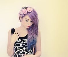 Lilac hair, blue ends, flowers