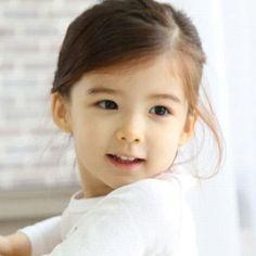 Lauren Hanna Lunde♥ #cute #littlegirl Little Babies, Cute Babies, Little Girls, Baby Kids, Young Models, Child Models, Young Fashion, Kids Fashion, Asian Babies