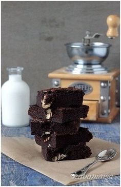 Diabetic means low in sugar. Mmm I would love to eat these brownies :) Type 'Diabetic Recipes' in our search engine. Diabetic Diet Menu, Diabetic Cake, Diabetic Cookbook, Diabetic Desserts, Diabetic Recipes, Diabetic Foods, Diabetic Cookies, Healthy Recipes For Diabetics, Healthy Eating Recipes