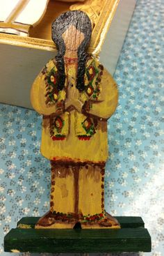 Here is close up of the beautiful details on the Native American figure from the Eucharistic Presence materials.