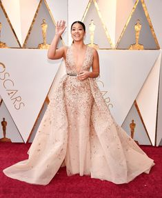 See what everyone wore during this year's Academy Awards.