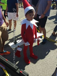 Elf on The Shelf Costume and Whore in a drawer for Halloween next year Whoville Costumes, Elf Costume, Homemade Halloween Costumes, Costume Works, Halloween Costume Contest, Boy Costumes, Halloween Cosplay, Halloween Fun, Costume Ideas