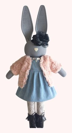 Bunny doll - navyplum.com
