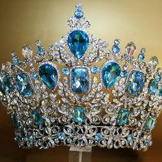 79 Mejores Imágenes De Coronas Reinas Royal Crowns Royal Jewelry